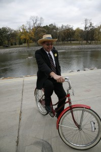 Judge Ole Hartwick Clocks 100,000 miles on his bicycle